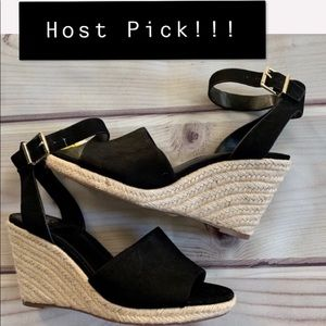 🎉HP🎉 NWT Vince Camuto Open Toe Wedge Sandals